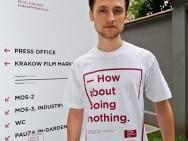 Piotrek w naszej koszulce / fot. T. Korczyński