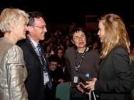 Ambasador Szajcarii Lukas Berlinger rozmawia z Sophie Huber / fot. Tomasz Korczyński